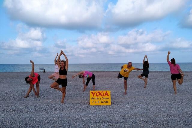 Yoga en Playa Sagunto